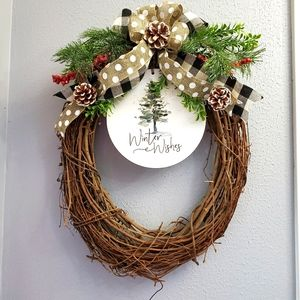 Oval Winter Wreath: Winter Wishes